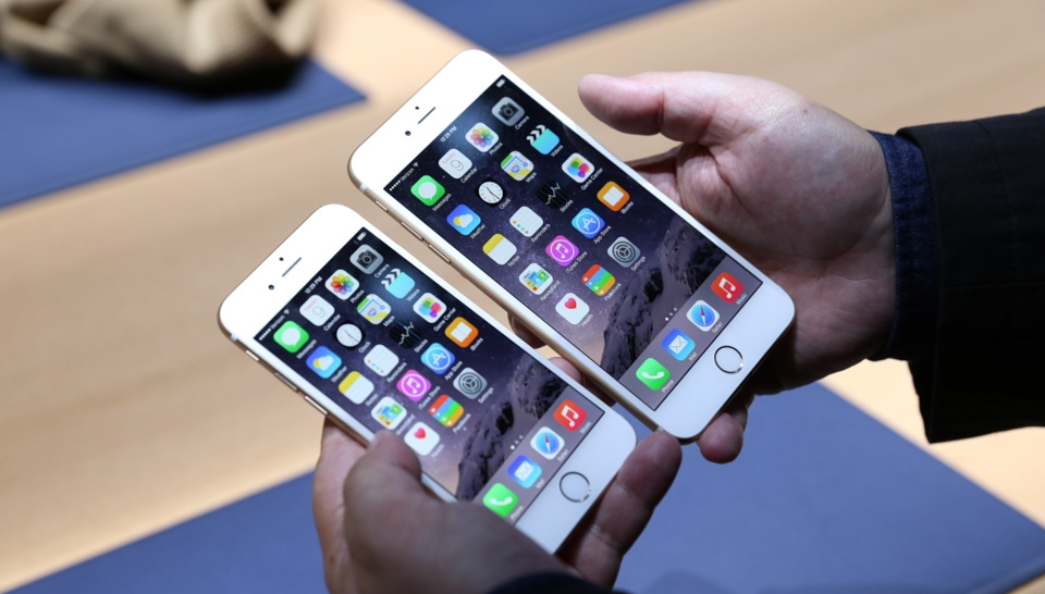 chiec-iphone-cu-nao-ra-mat-6-nam-truoc-van-duoc-apple-ho-tro-ios-15-21qpp.jpg