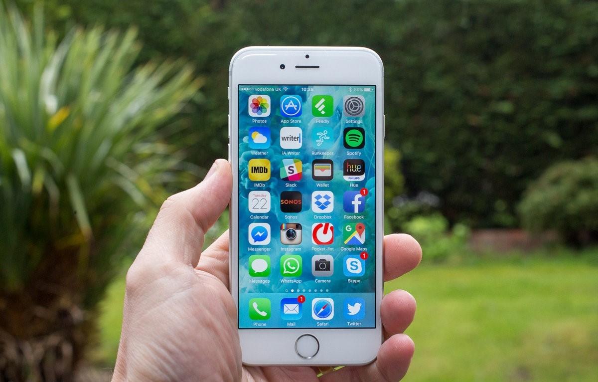 Chiếc iPhone Cũ Nào Ra Mắt 6 Năm Trước Vẫn Được Apple Hỗ Trợ iOS 15?