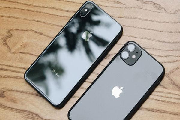 Trên Tay 13 Triệu Đồng Thì Nên Mua iPhone 11 Hay iPhone Xs Max ?